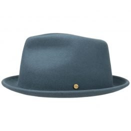 hoed trilby skyblue stetson on harbor of men