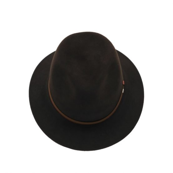 hoed in haarvilt panizza oak front shot